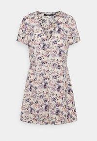 Missguided Petite - BUTTON THROUGH TEA DRESS - Jurk - lilac - 0