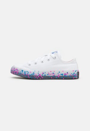 CHUCK TAYLOR ALL STAR TRANSLUCENT CONFETTI - Trainers - white/bold pink/black