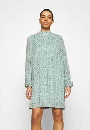 GINNA RIKKELIE SHORT DRESS - Denní šaty - blue surf