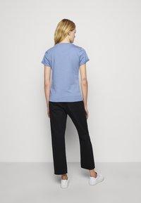 HUGO - THE SLIM TEE - T-shirts med print - bright blue - 2