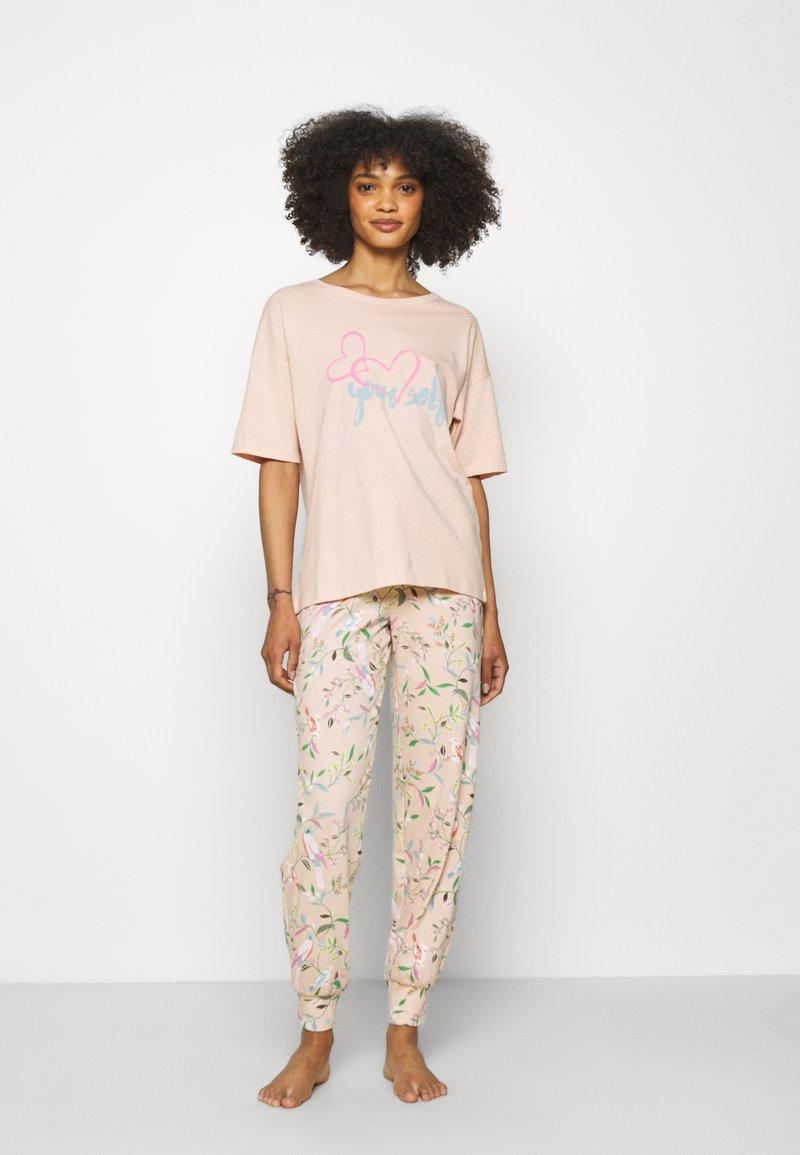 Marks & Spencer London - LOVE  - Pijama - peach mix