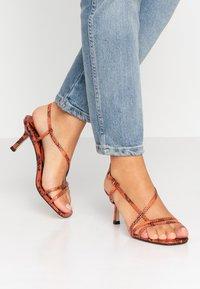 Hot Soles - Sandals - orange - 0