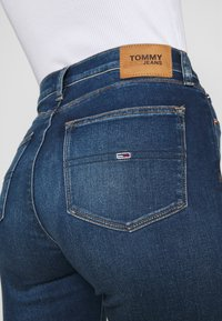 Tommy Jeans - SYLVIA CE 133 MID BLUE STRETCH - Jeans Skinny Fit - mid blue - 6