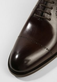 Fratelli Rossetti - Smart lace-ups - tabacco - 5