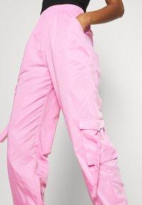 Tiger Mist - FLOSS PANT - Kalhoty - pink - 5