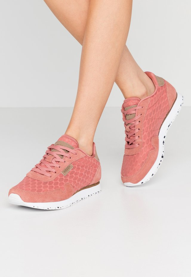 Nora II Mesh - Sneakers laag - canyon rose