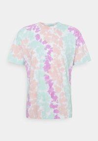 Nike Sportswear - TEE WILD TIE DYE - Camiseta estampada - white/grey/light dew - 4