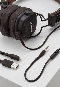 Marshall - MAJOR III BLUETOOTH - Headphones - brown - 5