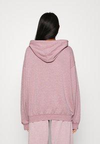BDG Urban Outfitters - ZIP THROUGH HOODIE - Zip-up sweatshirt - bubble gum - 2