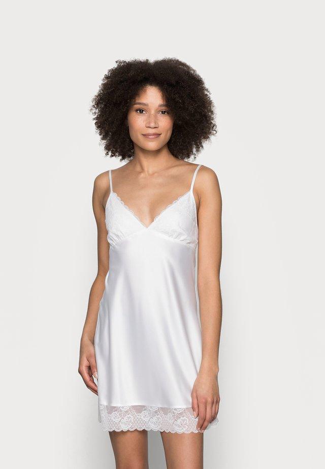 DULL DRESS - Camicia da notte - off white
