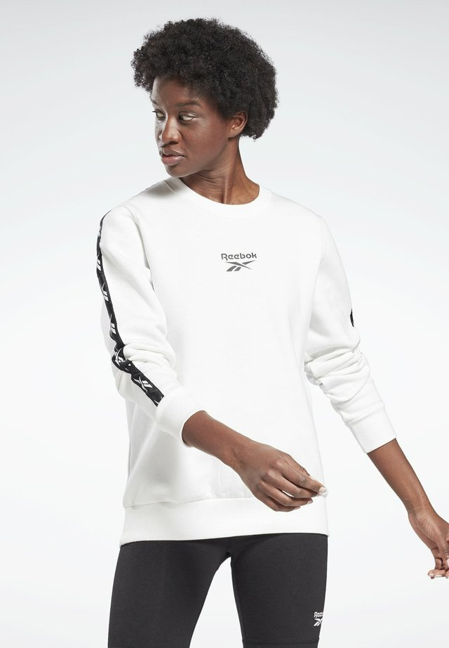 TRAINING ESSENTIALS CREW SWEATSHIRT - Felpa - white