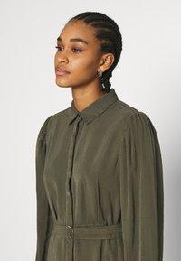 ONLY - ONLARIS LIFE PUFF SHORT DRESS - Shirt dress - kalamata - 3
