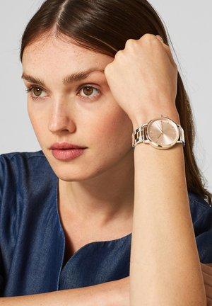 MIT GLIEDERARMBAND - Watch - silver-coloured