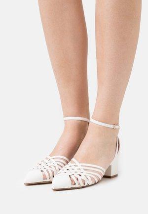 RAYLA - Tacones - white