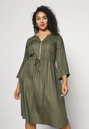 ZIP FRONT UTILITY DRESS - Päevakleit - khaki