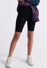 Superdry - KARI - Shorts di jeans - denim black rinse - 0