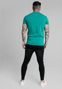 SIKSILK - PRESTIGE GYM TEE - Print T-shirt - teal - 2