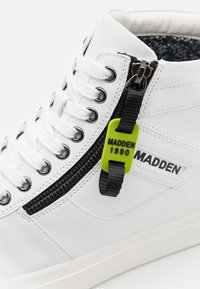 Madden by Steve Madden - ASTALL - High-top trainers - white - 5