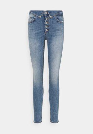 ONLHUSH FOLDDOWN - Jeans Skinny Fit - light medium blue denim