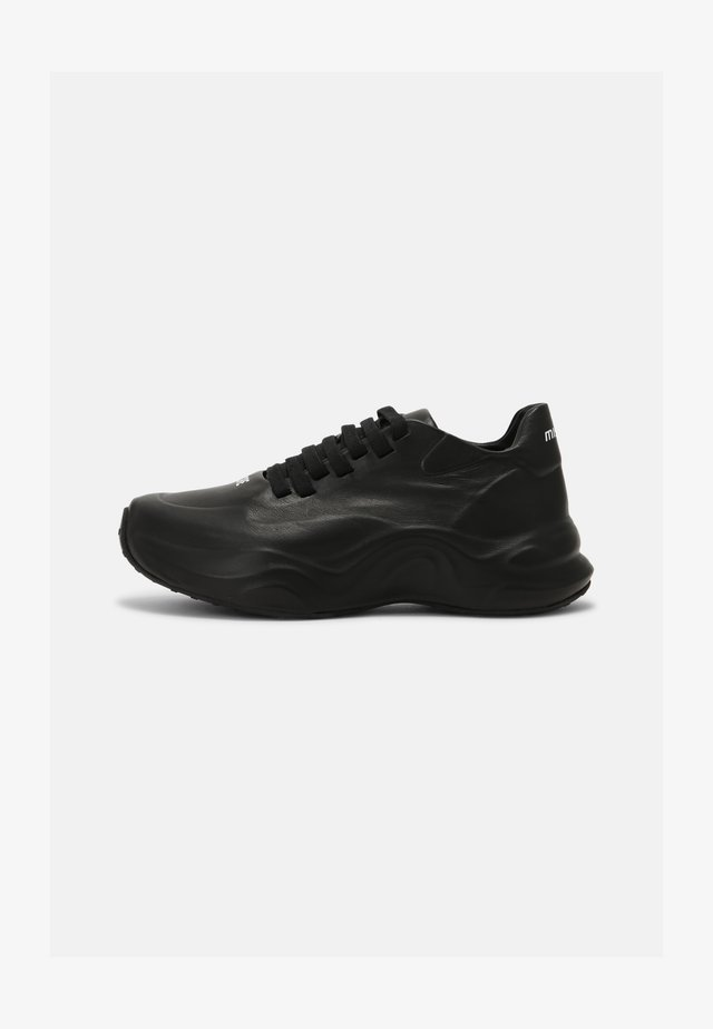YOUTH CORE MOON TRAINERS UNISEX - Trainers - black