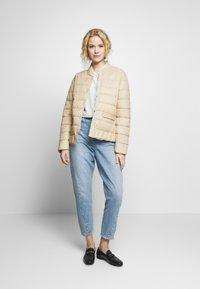 Cream - SOFIACR QUILTED JACKET - Light jacket - desert - 1