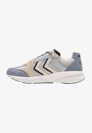 Sneakers - tradewinds