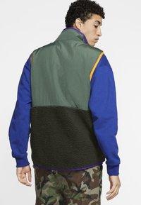 Nike Sportswear - VEST WINTER - Väst - green - 2