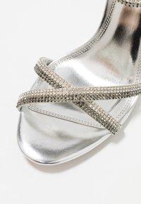 Dune London WIDE FIT - WIDE FIT MAGDALENA - Højhælede sandaletter / Højhælede sandaler - silver - 2