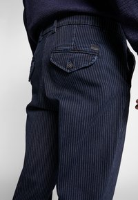 Jack & Jones - JJIACE JJMILTON  - Trousers - dark navy - 3