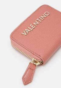 Valentino Bags - DIVINA - Wallet - rosa antico - 3