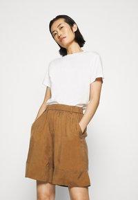 ARKET - SHORT - Shorts - beige dark - 3