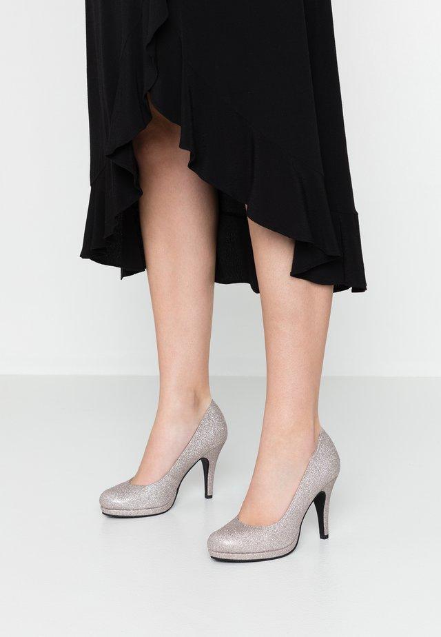 Zapatos altos - space glam