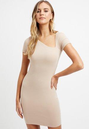 MONICA - Shift dress - cr acorn/mais