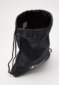 Champion - GIFTSET GYMBAG + CAP SET - Urheilulaukku - black - 7