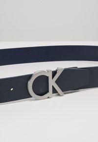 Calvin Klein - BUCKLE BELT - Pásek - blue - 4