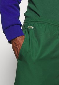Lacoste Sport - TENNIS PANT - Tracksuit bottoms - green - 4