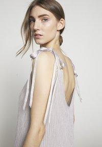MRZ - DRESS - Maxi šaty - silver - 3