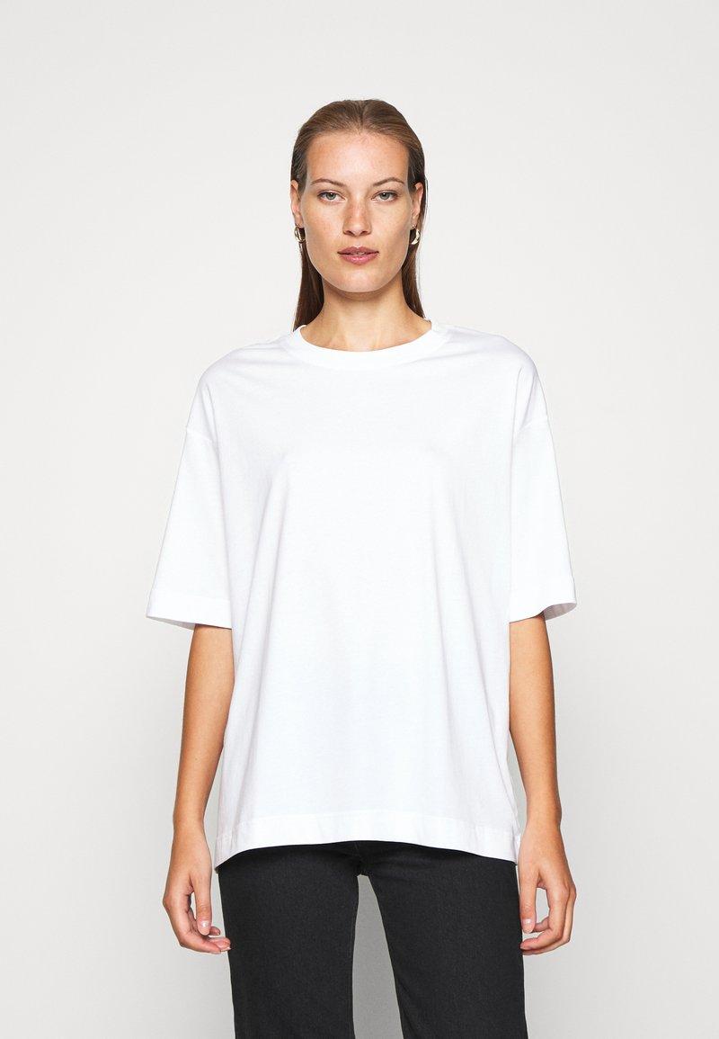 ARKET - T-shirts basic - white light