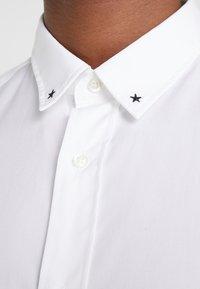 HUGO - EMERO - Shirt - open white - 6