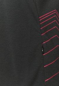 Zimtstern - ECOFLOWZ WOMENS - Print T-shirt - pirate black/jester red - 2