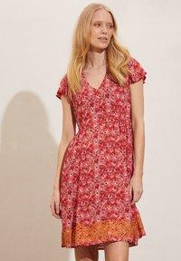 Odd Molly - FELICIA - Day dress - cherry red - 0