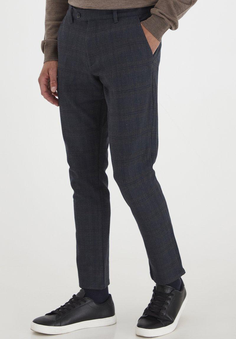 Tailored Originals - Chinos - dark d m