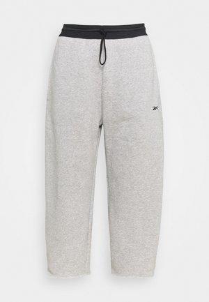 PANT - 3/4 sportovní kalhoty - grey