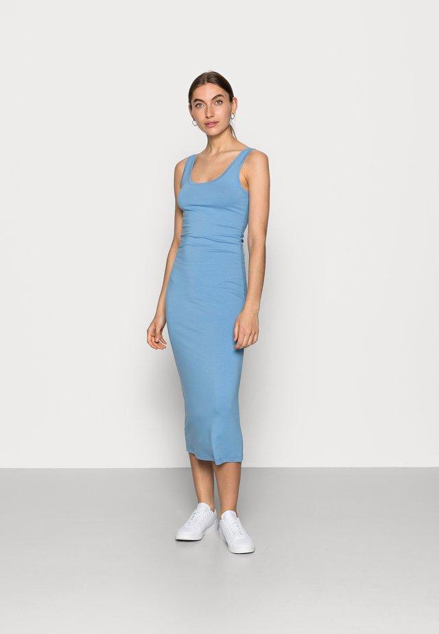 TULLA LONG - Jerseyklänning - allure