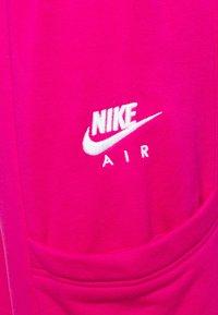 Nike Sportswear - AIR PANT - Pantalon de survêtement - fireberry - 5