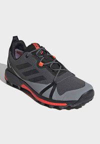 adidas Performance - TERREX SKYCHASER GORE-TEX BOOST HIKING SHOES - Hiking shoes - grey - 4