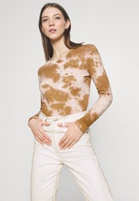 BDG Urban Outfitters - MOM - Džíny Relaxed Fit - off white - 3