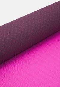 Etam - YOGA MAT - Fitness/yoga - cassis - 4