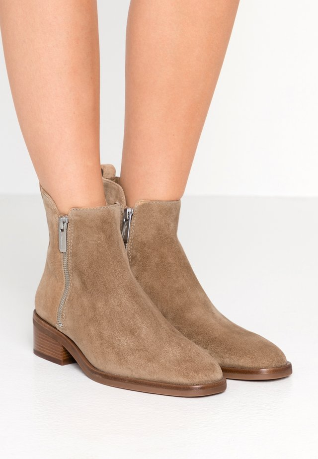 ALEXA BOOT - Bottines - tobacco