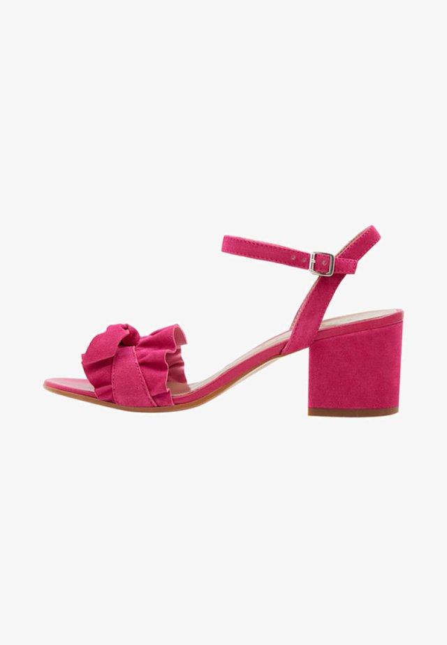 VALENTINA - Sandalen - pink